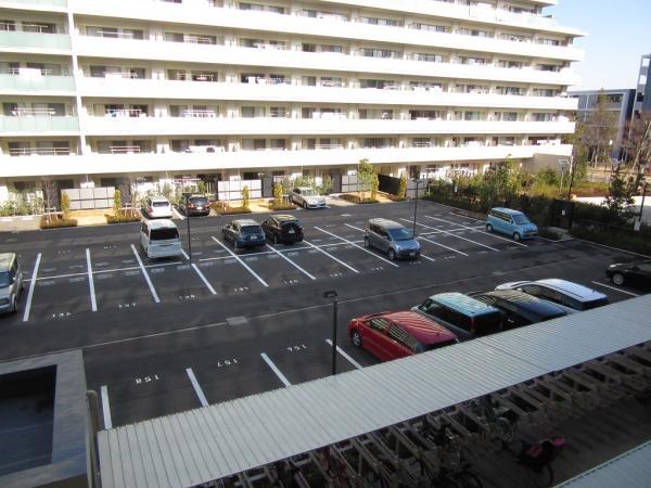 駐車場9,000円