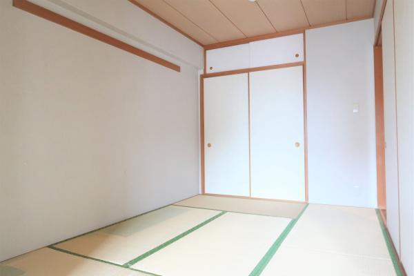 約6帖の和室。お子様部屋としても使えます。