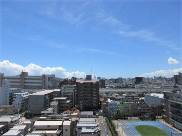 視界を遮る建物の少ない最上階からの眺望