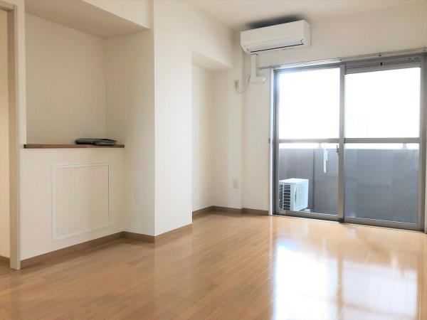 デッドスペースの少ない約8.2帖の洋室