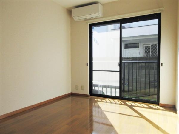 洋室(約6.7帖)デッドスペースが少なく使いやすいお部屋です