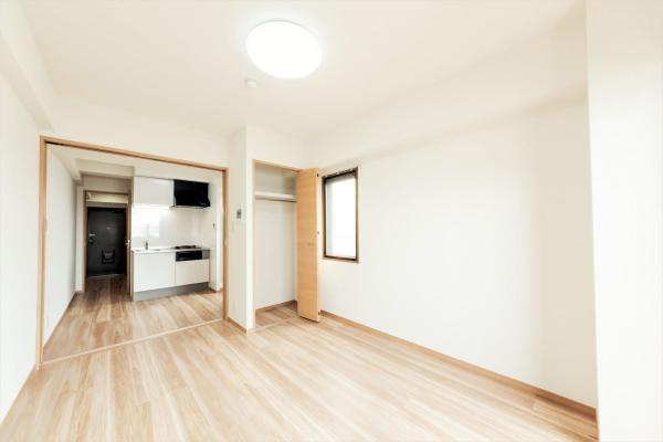 6.5畳のベッドルームは二面採光で風通し良し!