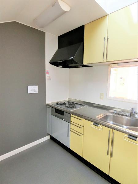 6.7帖ある洗濯機置場を併設したキッチンは利便性◎