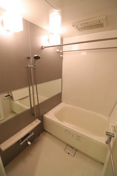 浴室暖房乾燥機付きで雨の日のお洗濯も安心