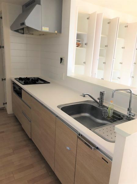 開放的なカウンターキッチン 浄水器・ディスポーザー付き