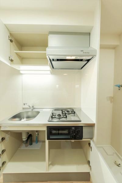 キッチンは2口コンロ+グリル付!収納豊富で使い勝手良し♪