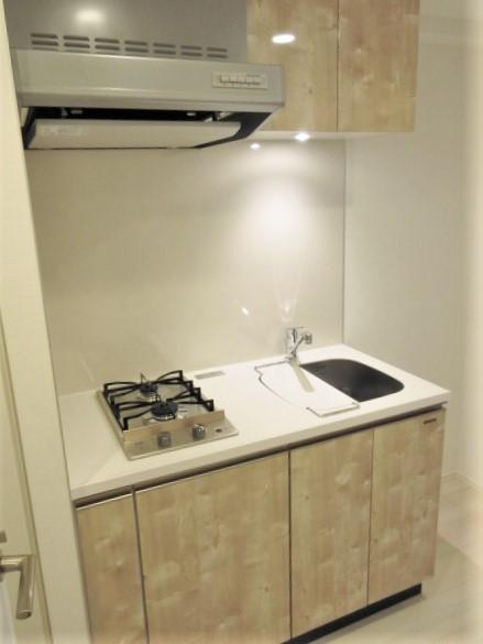 お料理の捗る2口コンロのキッチン。作業スペース有