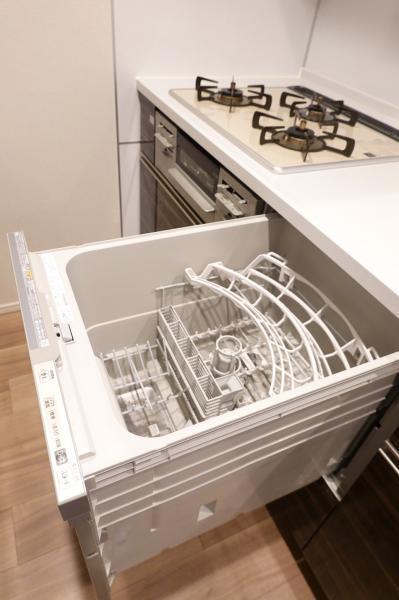 キッチンには食器洗浄機がついています!