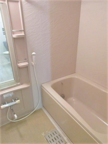 浴室換気暖房機&ステンレスバーあり雨天時も洗濯可能