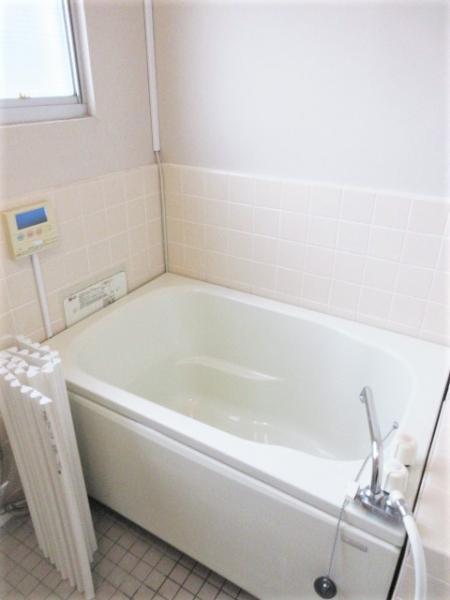 追炊き機能・換気窓付きの浴室