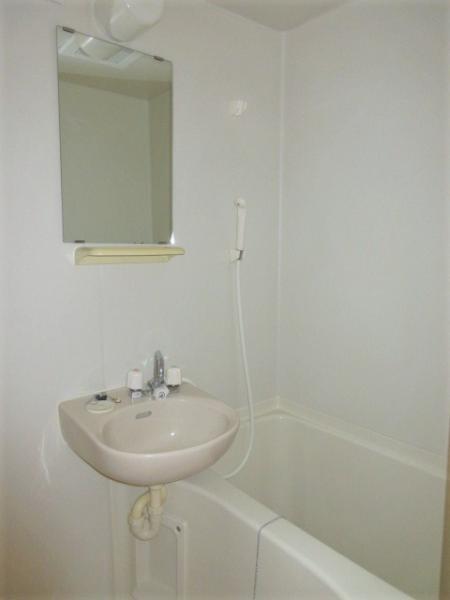 浴室は2点ユニット
