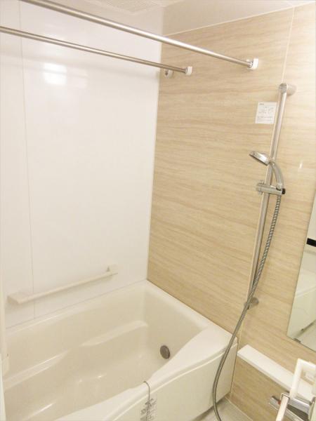 ステンレスバー+浴室換気有!雨天時も洗濯が捗ります♪