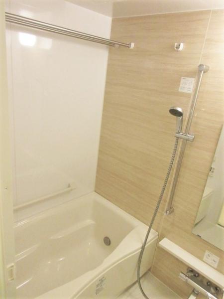 浴室換気暖房機+ステンレスバー有!雨天時もお洗濯可能♪