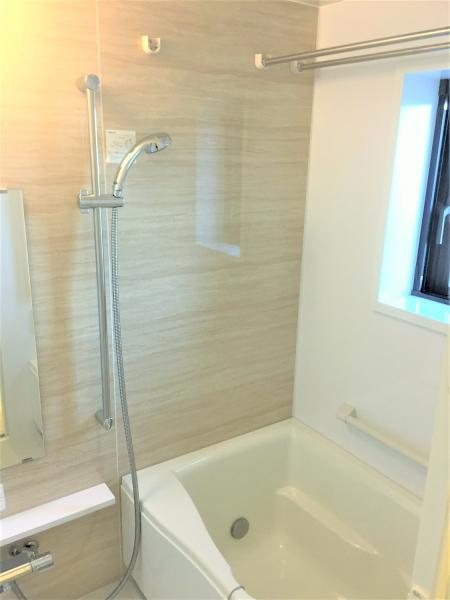 ステンレスバー+浴室乾燥あり!