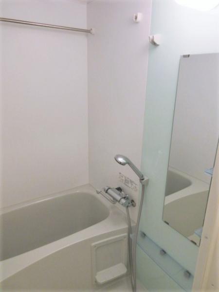 浴室換気暖房機+ステンレスバー有!雨天時もお洗濯が捗ります☆