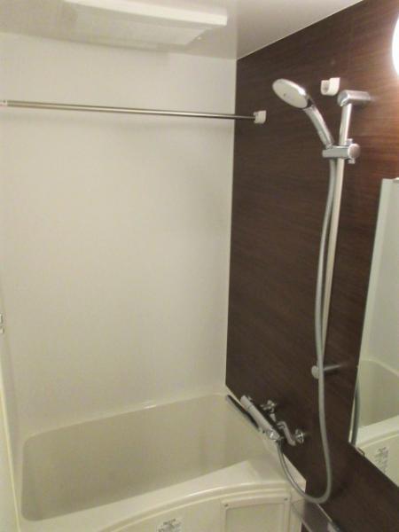浴室暖房乾燥機付き、24時間換気機能あり