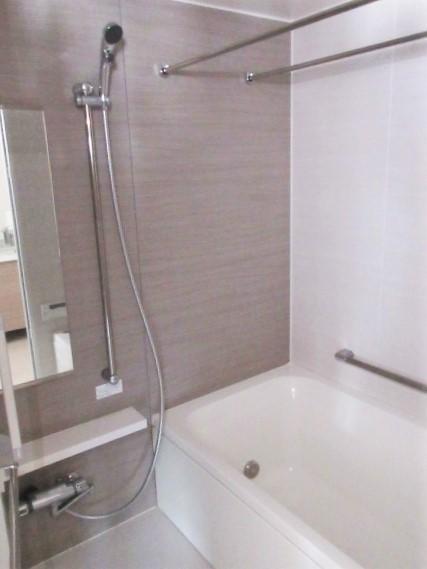 バストイレ別。浴室換気暖房機有
