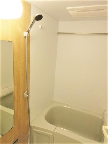 浴室乾燥機・ステンレスバー付き