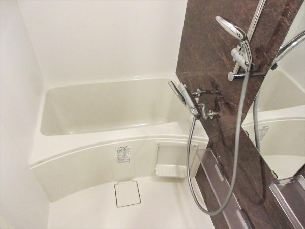 バストイレ別。浴室換気暖房機あり