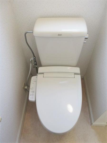 トイレに窓あり!通気性良し◎