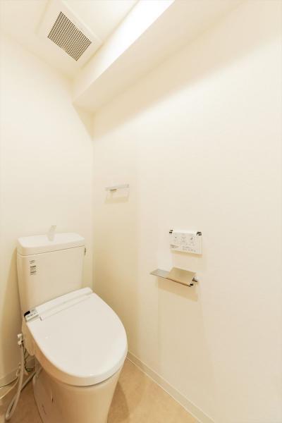 トイレは快適な温水洗浄機能付便座です◎