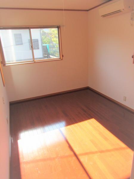 2階洋室(約7.5帖)
