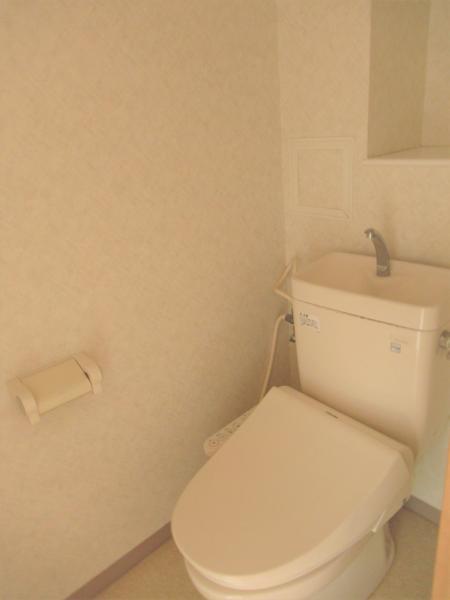 温水洗浄便座のお手洗いです