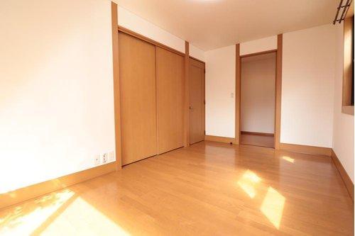 WIC付き、約7帖の主寝室です。