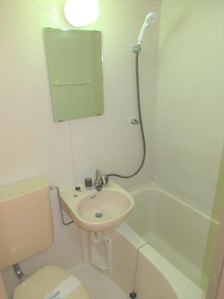 風呂・洗面台・トイレの3点ユニット