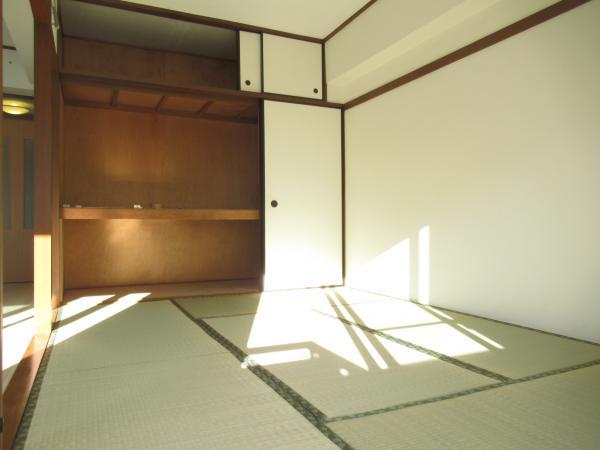 和室6帖には大きな押入有り!