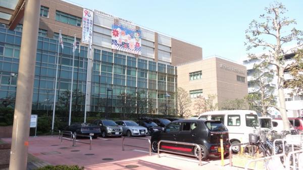 磯子区役所・図書館・公会堂