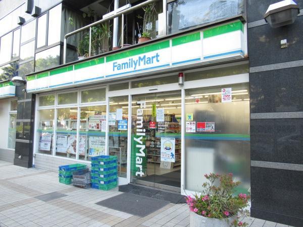 ファミリーマート横浜弥生町店