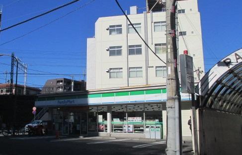 ファミリーマートサンズ相模原町田駅店